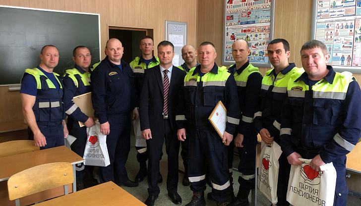 Е.А. Кареликов поздравил волгоградских спасателей с 23-летием со дня образования «Службы спасения Волгограда»
