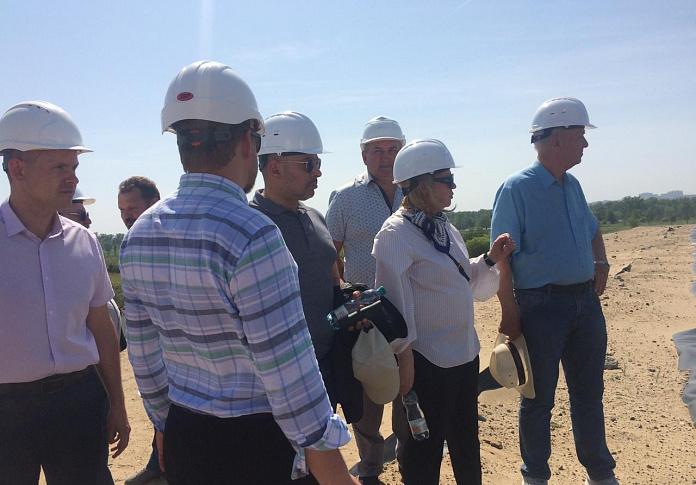 Депутаты регионального парламента и Государственной Думы проинспектировали строительство очистных сооружений на острове Голодном